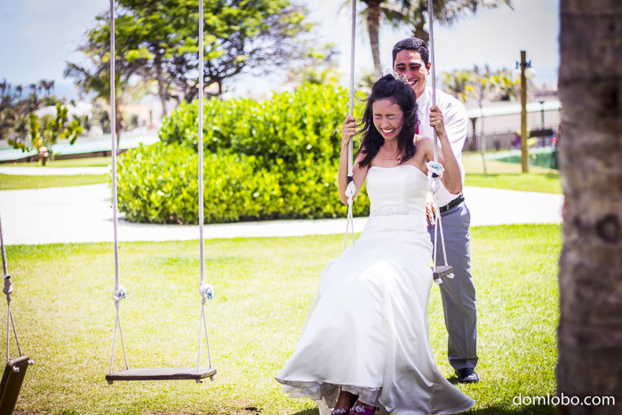 Fotografia, foto, casal, namoro, namorados, noivos, noivado, amor, alegria, sorriso, casamento, noiva, amor, marido, praia, flor, flores, bouquê, piscina, mar, beijo, espontâneo